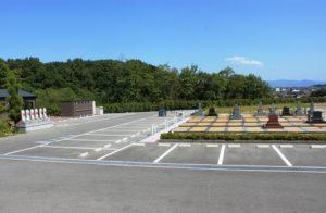 苑内駐車場