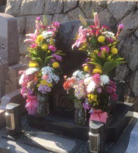 お墓と供花