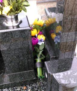 お墓の造花
